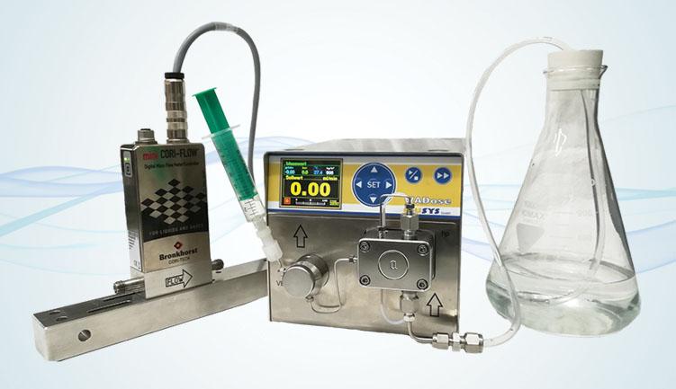система дозирования сверхмалых расходов жидкости под управлением кориолисового расходомера miniCORI-FLOW с поршневым насосом WADose HP Lite